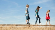 Parents, Sudah Waktunya Mendidik Anak dengan 3 Hal Ini Supaya Siap Hadapi Tantangan Dunia