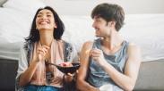 Buat Cewek yang Punya Temen Cowok, Lakukan 7 Hal Ini Supaya Nggak Rusak Hubungan Kalian