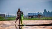 Pilih Mana? Nelayan Miskin Tapi Sebahagia Orang Kaya  atau Turis Kaya Tapi Hidup Kayak Orang Miskin