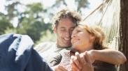 Jangan Sia-siakan! Suami Istri Petiklah 3 Pelajaran Pernikahan dari Perayaan Paskah Ini