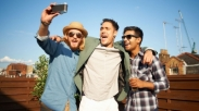 Pria Lebih Pilih Habiskan Waktu Bareng Teman daripada Pacarnya? Ini Sisi Buruknya Bromance