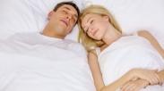 Wajib Tahu, Inilah Manfaat dan Dasar Alkitab Suami-Istri Harus Tidur Bersama Seranjang