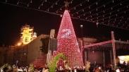 Sambut Natal, PM Palestina dan Ribuan Orang Hadiri Penyalaan Lampu Pohon Natal di Betlehem