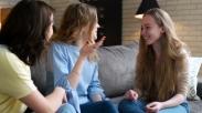 5 Tipe Teman Ini Ternyata Penting Setelah Menikah, Salah Satunya Jadi Tempat Curhat Loh!