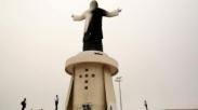 Kasihan! Kunjungan Paus Fransiskus ke Peru Disambut Terbakarnya Patung Raksasa Kristus