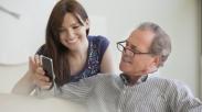 10 Alasan Jarang Menelepon Orangtua Adalah Kesalahan Fatal Seorang Anak (Bagian 1)
