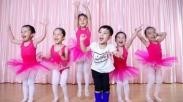Mengajar Pakai Tarian dan Musik, Cara Efektif Bantu Tumbuh Kembang Anak Loh!
