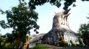 Hebat! Gereja Ayam Magelang Ini Diekspos Oleh Media Luar Loh. Begini Isi Tulisannya