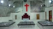 Gereja Terdalam di Dunia Rupanya Ada di Papua Loh! Begini Bentuknya…