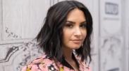 Overdosis Lagi, Penyanyi Kristen Plumb Beri Dukungan Besar Untuk Demi Lovato