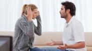 Bisakah Pernikahan Bertahan Saat Dua Orang Berjalan Tak Searah?