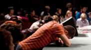 Perdebatkan Alkitabiah Tidaknya 'Altar Call', Para Pendeta Ini Sampaikan Pandangannya