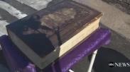 Ajaib! Alkitab Berusia 150 Tahun Ini Berhasil Selamat dari Kebakaran Gereja