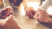 God Is In Control: Pesan Doa yang Kuat Dari Dr. Dobson, Rick Warren, dan Jentezen Franklin Atas Corona