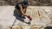 Duh! Mosaik 1500 Tahun Peninggalan Yesus Ini Ditemukan Terbengkalai di Dekat Danau Galilea