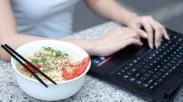 Biar Gak Makan Mi Instan Melulu di Akhir Bulan, Anak Kos Perlu Atur Uang Pakai Cara Ini