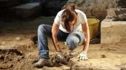Menemukan Rahasia Kebahagiaan dari Seorang Arkeolog