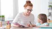 Anak Malas Kerjakan PR di Rumah? Orangtua Lakukan Cara Ini…