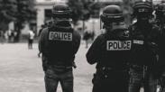 Ajaib! Alkitab yang Terselip di Saku Selamatkan Polisi Ini Dari Tembakan