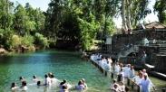 Sepanjang Januari Sungai Yordan Dipadati Peziarah, Ternyata Ini Sebabnya…