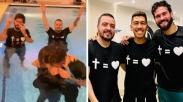 Dibaptis, Pesepakbola Liverpool Ini Sebut Yesus Cinta dan Gelar Terbaiknya