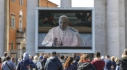 Paus Fransiskus Tantang Imam Katolik Temui Pasien Terinfeksi Virus Corona