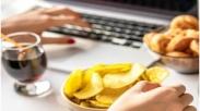 Kerja di Rumah Justru Bikin Overeating? Yuk Jaga Kesehatan Dengan 6 Tips Ini…