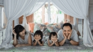 Gak Seburuk yang Dikira, 4 Dari 5 Orangtua Akui Pandemi Justru Pererat Hubungan Keluarga