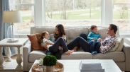 Kebahagiaan Suami Istri Selamatkan Anak Dari Jurang Pernikahan yang Salah