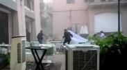 Lagi Asyik Pemotretan, Pengantin Ini Bersyukur Selamat Dari Hantaman Ledakan Gas Beirut