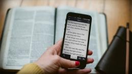 Ini Ayat Alkitab yang Paling Banyak Dibaca di Tahun 2020, Apa Itu?