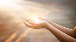 Menadahkan Tangan yang Murni Dihadapan Tuhan
