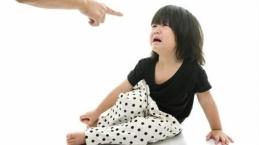 Ini Alasan Orangtua Dilarang Ucapkan Kata Negatif ke Anak