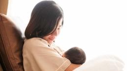 Ibu Positif Covid-19? Begini Panduan Aman Memberikan ASI Kepada Bayi