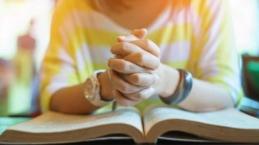 Gak Fasih Berdoa? Yuk Bisa Yuk Mulai Dengan 5 Kebiasaan Ini...