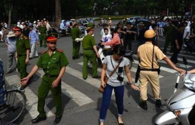 Vietnam Rusuh, Gereja Disarankan Sebagai Tempat Berlindung