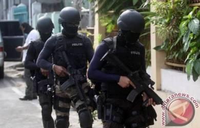 Senjata Dan Amunisi Diamankan Densus 88 Bersama Terduga Teroris