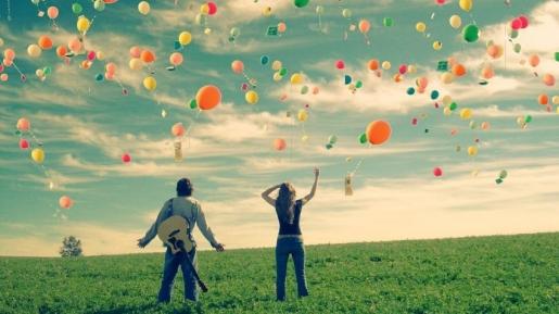 5 Cara Menyebarkan Sukacita Kepada Orang-orang Disekitarmu
