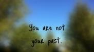 Jangan Genggam Masa Lalumu! Pakailah Itu Sebagai Ingatan Akan Kasih Tuhan