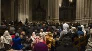 Pertama Kalinya, Gereja Katedral Dipakai Untuk Sholat Jumat