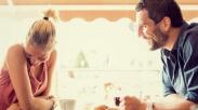 Jarang Dipuji Kekasih Bukan Berarti Dia Tak Cinta