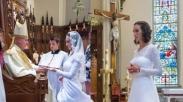 Wanita Ini Pilih Menikah dengan Yesus
