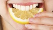 4 Makanan Sehat yang Ternyata Merusak Gigi