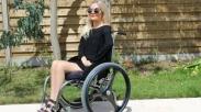 Jordan Bone, Disabilitas Bukan Halangan Menjadi Beauty Blogger Top