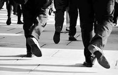 Demi Hemat BBM, Pejabat India Perintahkan Jalan Kaki ke Kantor