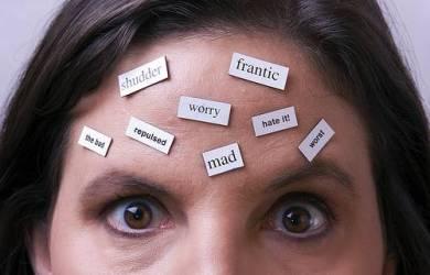 9 Pikiran Negatif Yang Membuat Keropos Pernikahan