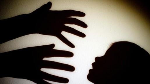 Sayangi Anakmu Teman, Waspadai Ciri-Ciri Pedofilia Yang Kadang Berkedok Bak Malaikat!