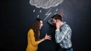 Apakah Kamu Bertengkar  Dengan Pasangan Karena Kondisi Keuangan Yang Makin Menipis?