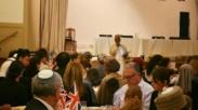 Kaum Muslim London Dijamu Buka Puasa Oleh Umat Yahudi di Sinagoga