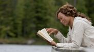 Tuhan Menulis Novel, Bukan Sitkom
